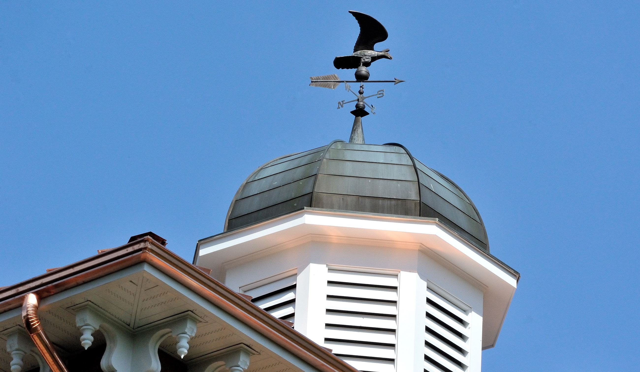 A photo of the cupola on the Town Hall building